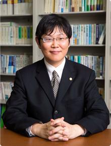 行政書士法人A.I.ファースト 福岡事務所所長・行政書士 花田 和隆